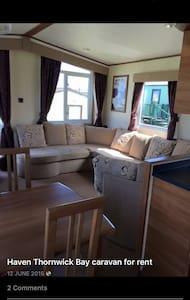 Thornwick bay Caravan holiday let - Inny