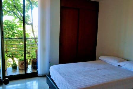 Cómoda Habitación en Envigado - Envigado - Apartament