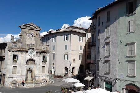 La Fontana - Apartemen