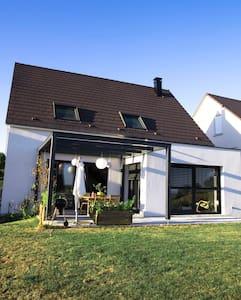 Maison lumineuse au calme à 25min de Strasbourg. - Casa