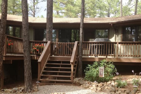 Pinecone Cottage - Perfection in the Pines! - Munds Park - Kisház