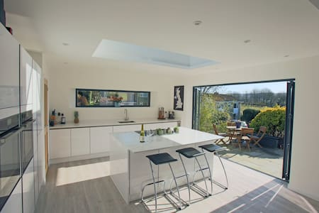 A stylish family home near Bath - Bathford - House