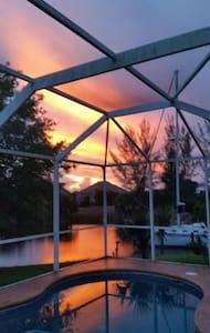 Sunset Paradise Matthew Evac - Σπίτι
