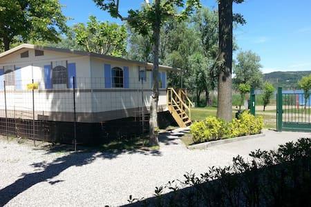 Lodgetent/cottage direct aan LAGO MAGGIORE Nr 92 - Dormelletto - Cabane