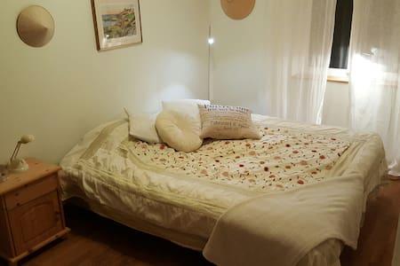Fin lägenhet i lugnt område nära(20 min) Göteborg. - Apartment