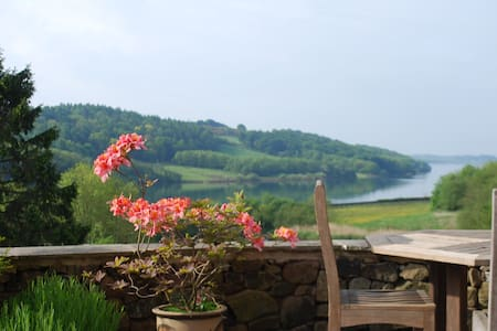 Stunning 5* SC Cottage with Lake views  sleeps 8 - Rumah