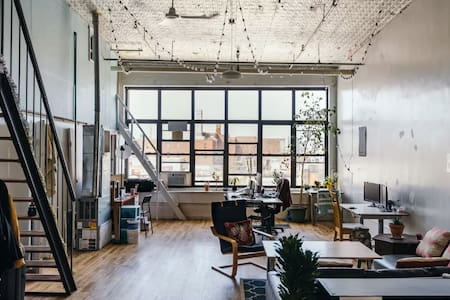 Playful Room in Techie Loft - Brooklyn - Loft