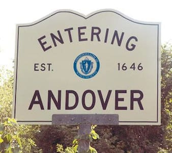 Weekends!Downtown Andover,best deal - Andover - Apartment