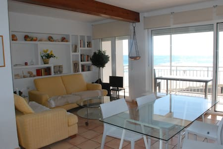 Apartamento ideal 1 linea de playa. - Sueca