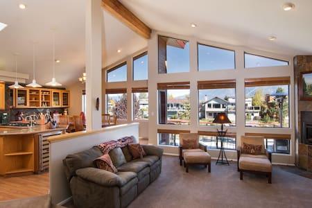 Waterfront Luxury 4bedrm Tahoe Keys - South Lake Tahoe