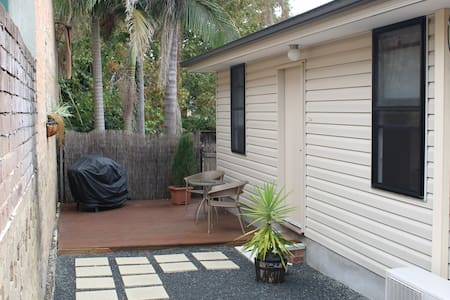Self contained Cottage in Dee Why - Appartement