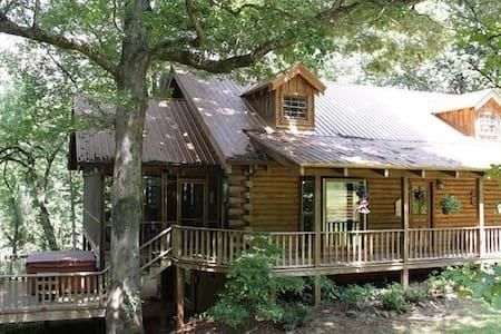 Magical Log Cabin Creekside - Ház