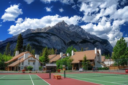 Banff RockyMountain resort 2bedroom 2bath swim/ten - Appartement