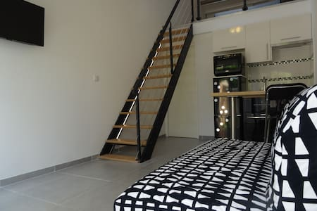 DUPLEX NEUF MODERNE AVEC JARDINET PROCHE MER - Lattes - Apartment