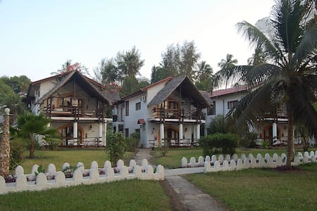 Zanzibar Beach Resort - Bed & Breakfast