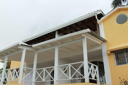 Casa en la loma - Villa