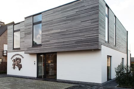 Nieuw app, ruim en zonnig, met groot terras - Gistel - Wohnung