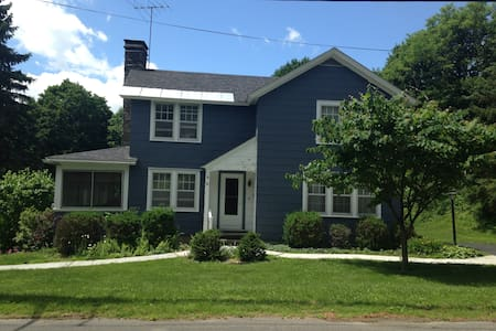 Charming Family Home close to Town - Chatham - Haus