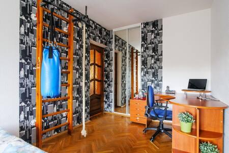 Комната на Маяковского 8 (2) - Lägenhet