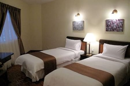 Large 2 Bedroom Flat (Sleeps 6) - Appartement