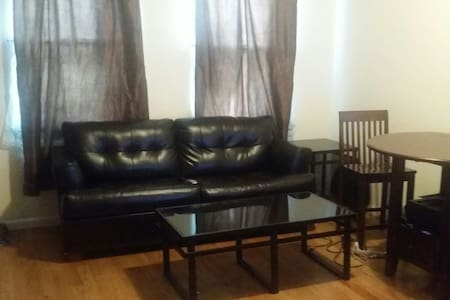★PRIVATE ROOM 10 MINUTES FROM MANHATTAN★ - Apartment