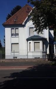 Stadtvilla In Unna Zentrum - Unna - Apartamento