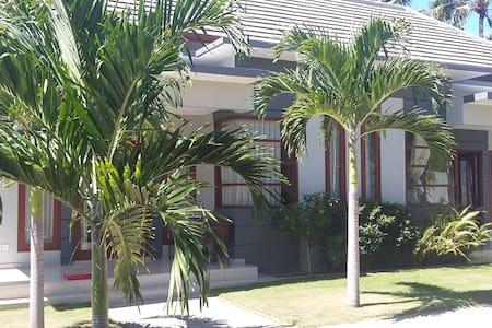 Villa Tunjung Sari 3 - Villa