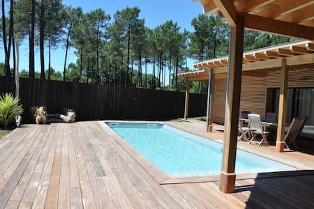 Villa piscine 6/7 personnes LACANAU ville - Villa