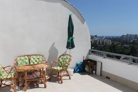 Room with terrase - Odesa - Appartamento
