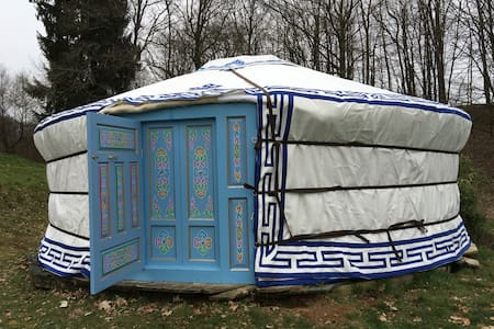 campement nomade de yourtes - Yurt
