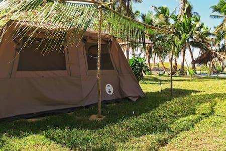 Isa Lei Budget Glamptent 3 - Matacawalevu Village