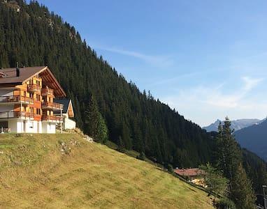 Chalet Monch, Murren, Jungfrau - Mürren