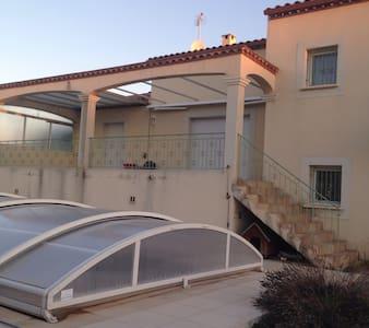 Chambre chaleureuse proche de Montpellier - Juvignac