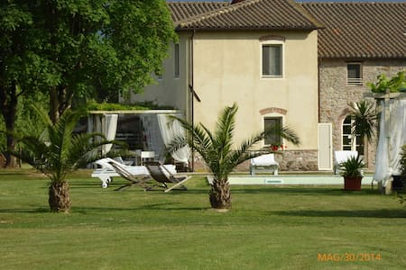 BEAUTYFULL VILLA WITH PRIVATE POOL - Lucca