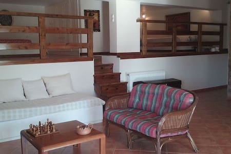 Holiday studio near Aegean - 2 hours from Athens - Ev
