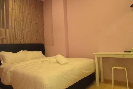 Bandar Saujana Putra 2 Person - Kuala Langat - Bed & Breakfast