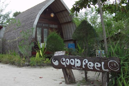 Good Feel Lumbung Beach Front 2 - Bungalow