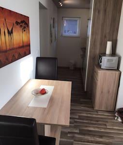 Appartement zwischen Göppingen & Schwäbisch Gmünd - Apartament