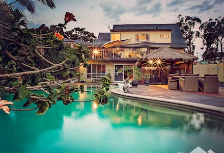 Summerland- Private Getaway - House