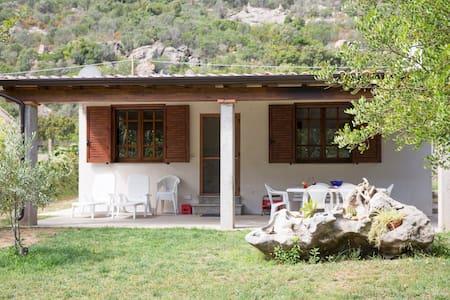 Bellissima villa a 300 m dal mare - Vila