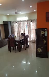 EASY ACCESSIBLE- AFFORDABLE - Hyderabad - Wohnung