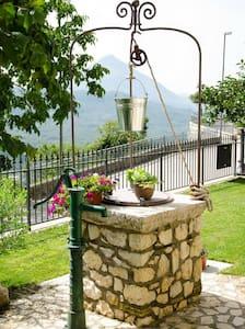 La Loggia - Castelnuovo Parano - Lejlighed