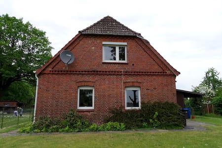 Komplettes Ferienhaus nahe Lüneburg in Brietlingen - Ev