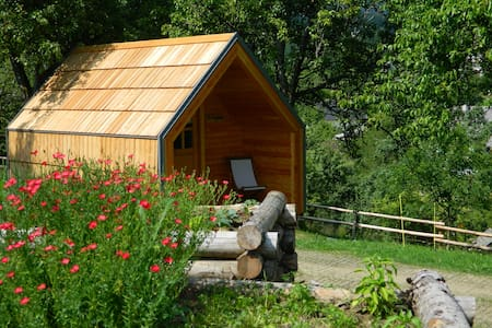 Glamping on organic farm with stunning view - Chatka