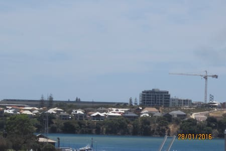 GREAT VIEWS GREAT LOCATION GREAT LIFESTYLE - East Fremantle - Townhouse