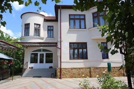 Жилье в Кисловодске - Kislovodsk - Gæstehus