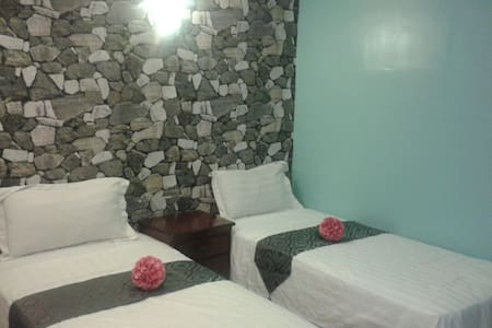 Cozy room attached bathroom - Lakás