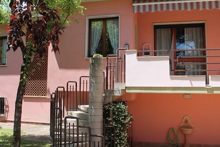 22 - COCOBEACH APARTMENT WITH GARDEN AND INDOOR PO - Desenzano del Garda