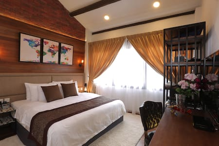 RHH Deluxe king room - George Town - Ev