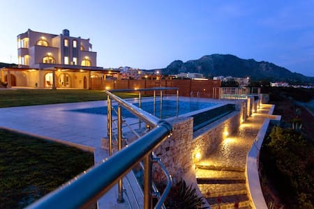 Antonoglou Beach Villas, KIOTARI - Villa